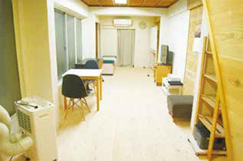 明るく、気持ちのいい診察室 「まごころ診療所」 予約専用電話 080-6970-0556